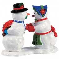 Kissing Snowcouple